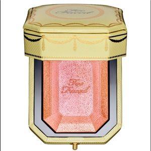 Too Faced Makeup - Too Faced Diamond Light Highlighter